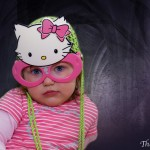mädchen mit hello kitty brille und ... keine ahnung, wie das heißt